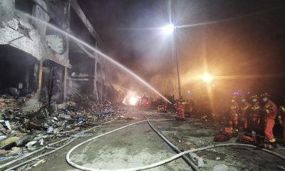 Взрыв автоцистерны на востоке Китая - Фото