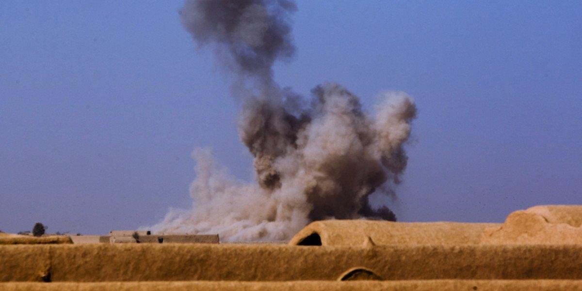 Турция нанесла авиационный удар по позициям курдов в Ираке - Фото
