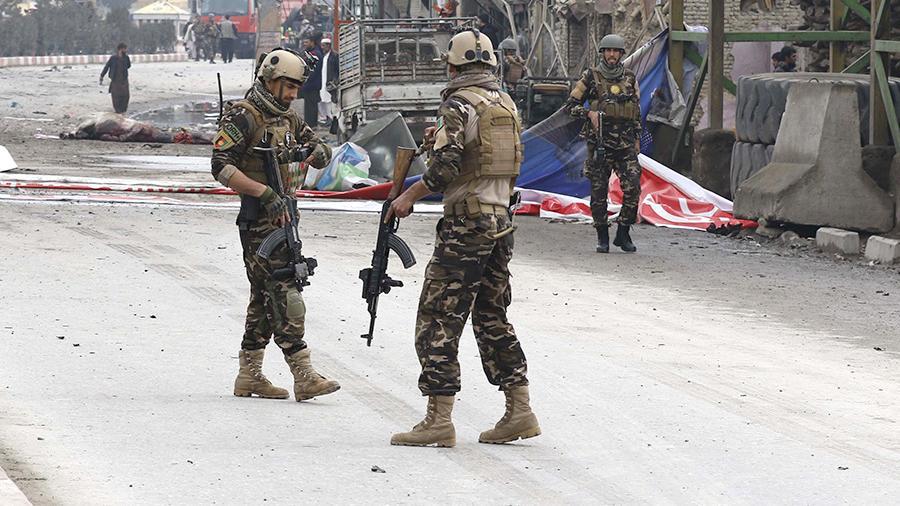 В Афганистане погибли 18 человек при взрыве автомобиля - Фото