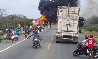 При взрыве бензовоза в Колумбии погибли десять человек - Фото