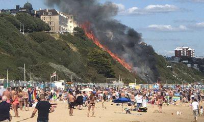На популярном пляже в Англии вспыхнул пожар - Фото