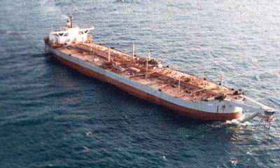 ООН обеспокоена возможным разливом нефти в Красное море из застрявшего у Йемена танкера - Фото