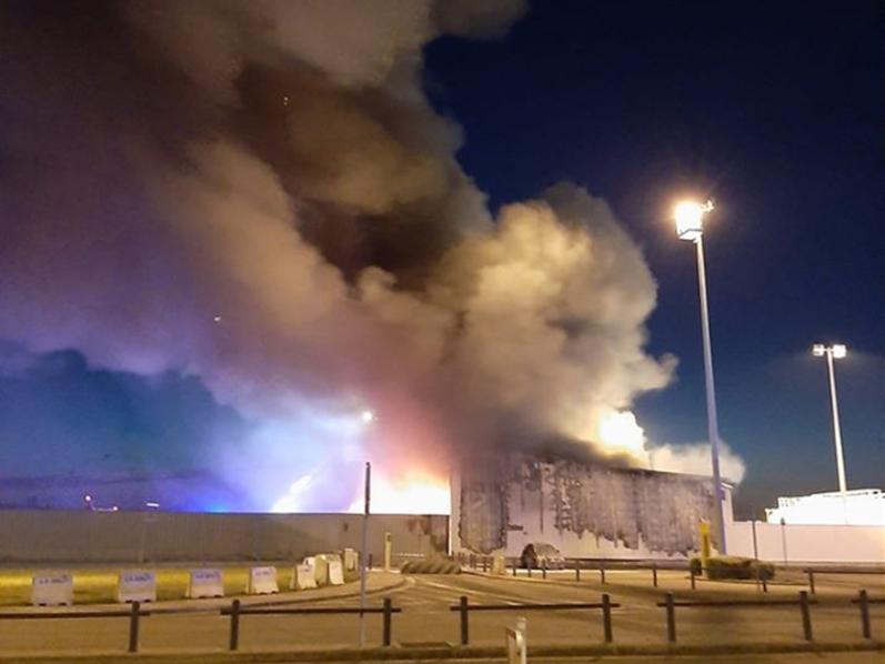 В аэропорту бельгийского города Льеж произошел пожар - Фото