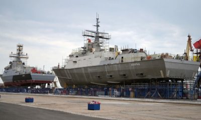Путин принял участие в закладке универсальных десантных кораблей в Керчи - Фото