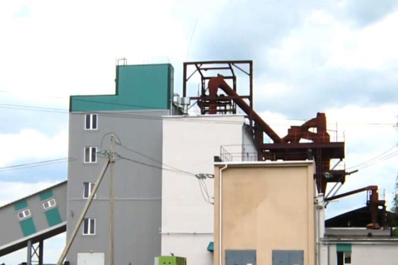 цех по производству торфяных топливных брикетов - фото