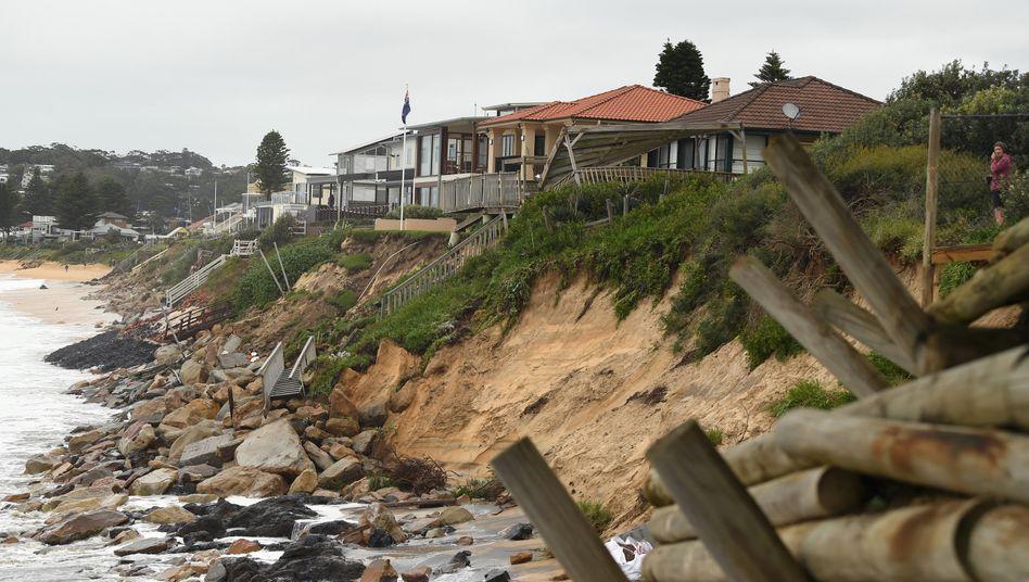 На восточное побережье Австралии обрушились огромные волны - Фото