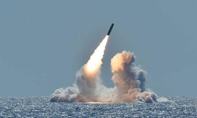 Китай запустил две ракеты как предупреждение США - Фото