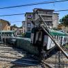 В Италии сошел с рельсов пригородный поезд без машиниста - Фото
