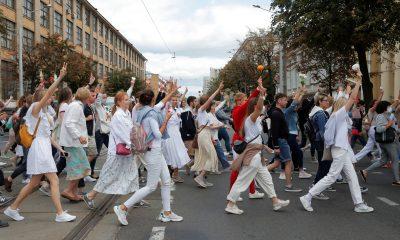 В Беларуси тысячи людей снова вышли на улицы - Фото