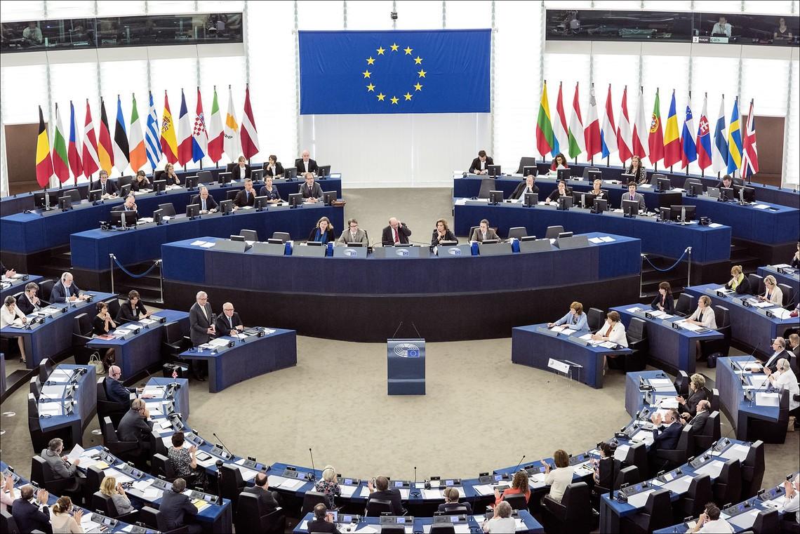 ЕС призвал Гонконг отказаться от переноса выборов - Фото