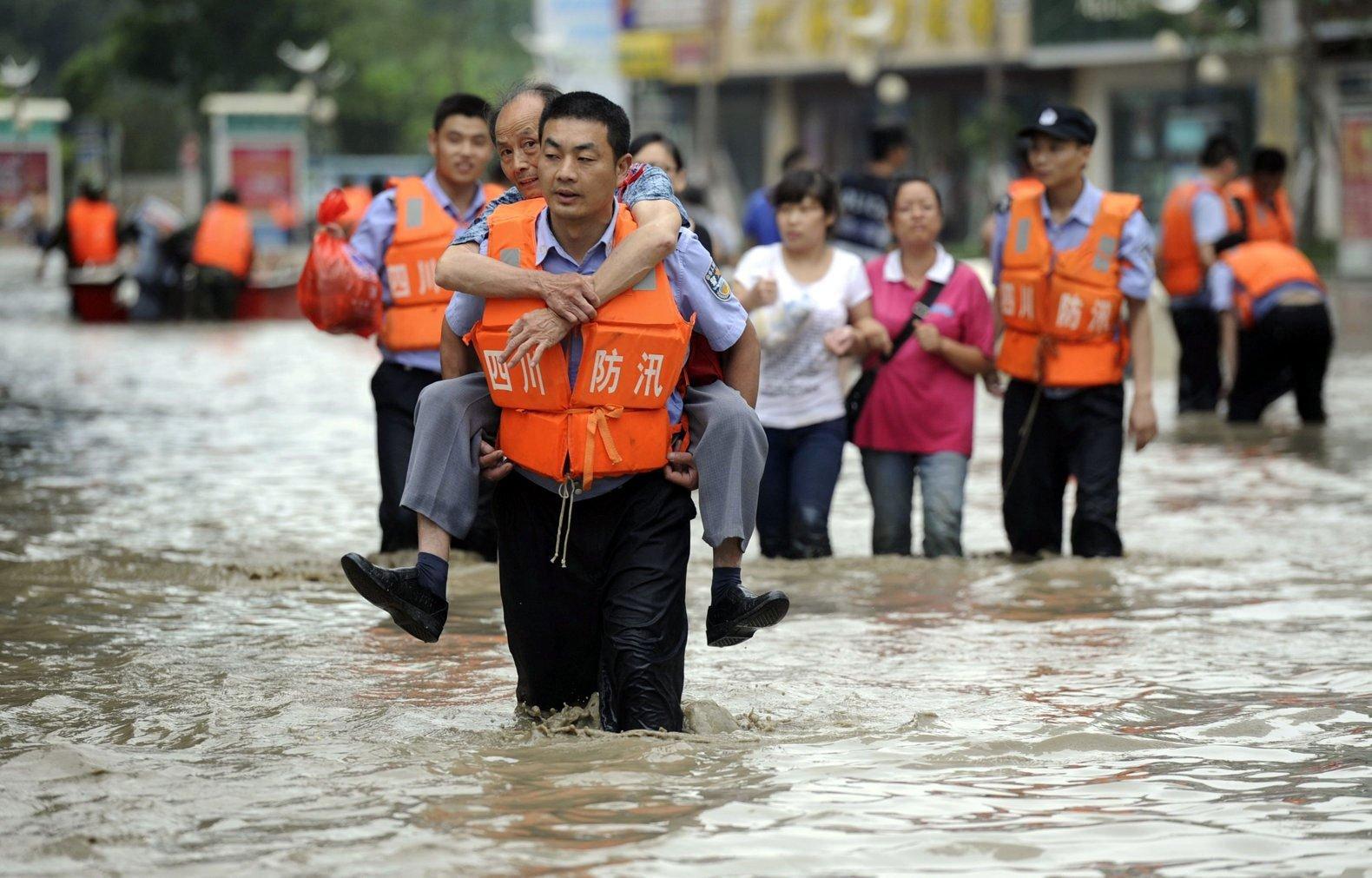 В Китае этим летом от наводнений погибли более 219 человек - Фото