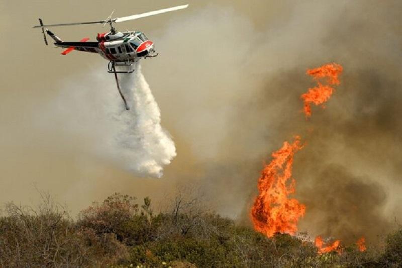 В Калифорнии во время тушения пожаров разбился вертолёт - Фото