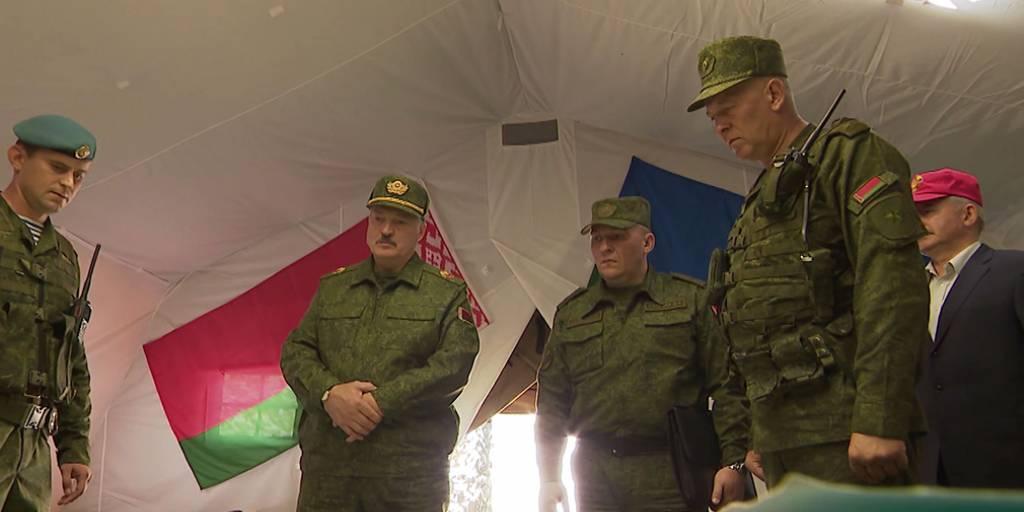 Лукашенко поручил без предупреждения реагировать на нарушения границы - Фото