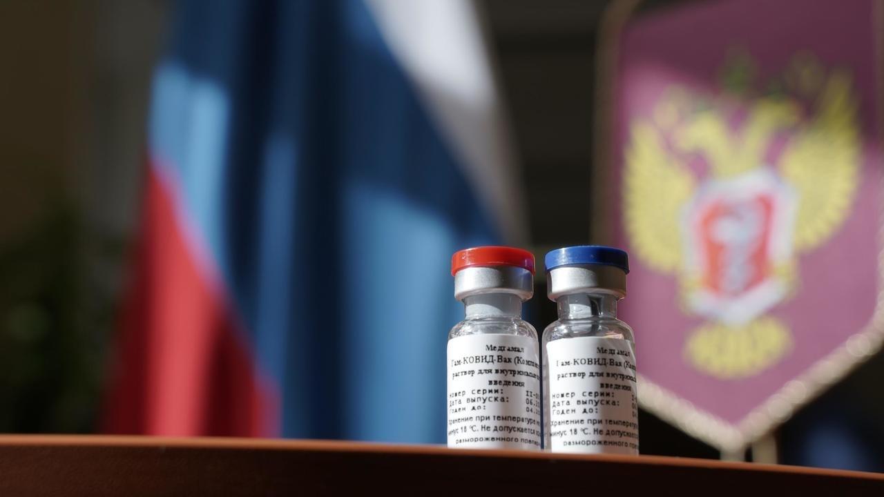 В России зарегистрировали первую в мире вакцину против коронавируса - Фото