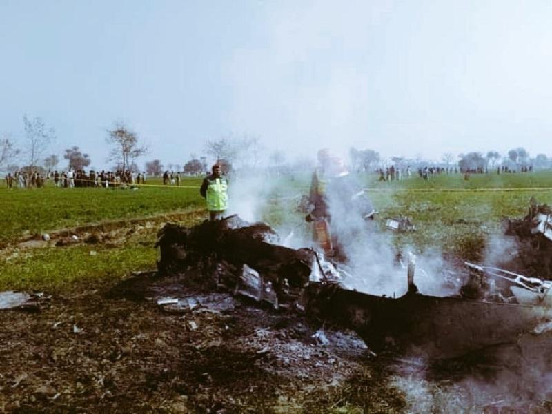 Самолет ВВС Пакистана разбился в провинции Пенджаб - Фото