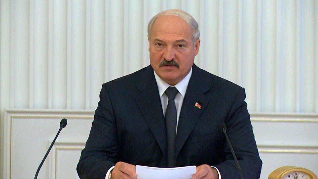 Лукашенко заявил о неопубликованной части переговоров о Навальном - Фото