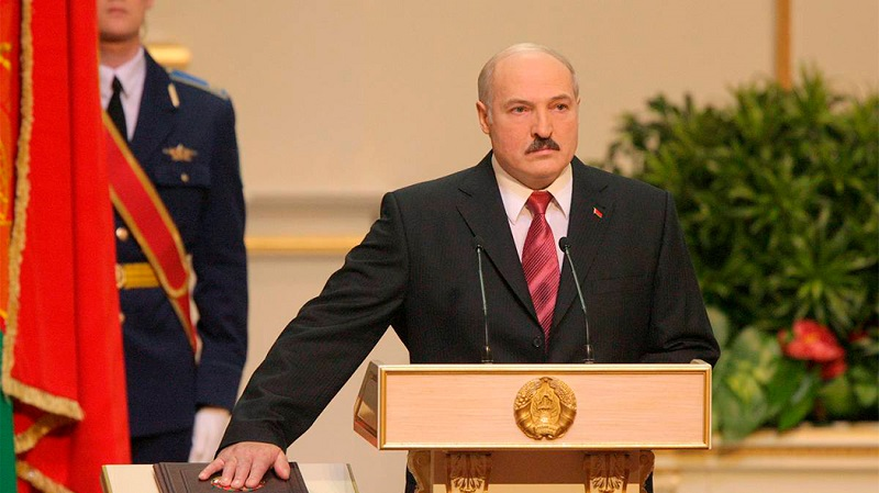 Лукашенко ответил на обвинения в тайной инаугурации - Фото