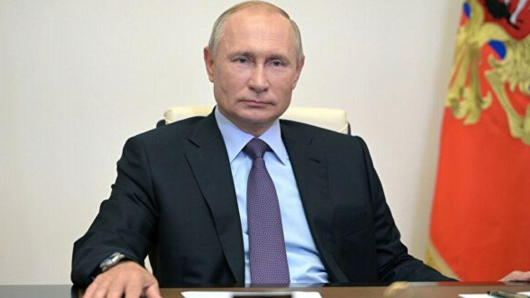 Опрос: Путину доверяют 58% россиян - Фото