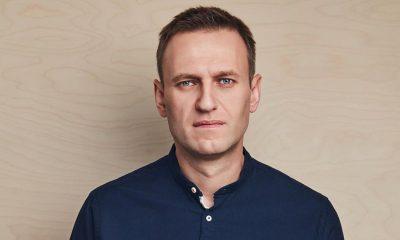 Spiegel: Меркель тайно навещала Навального в клинике «Шарите» - Фото