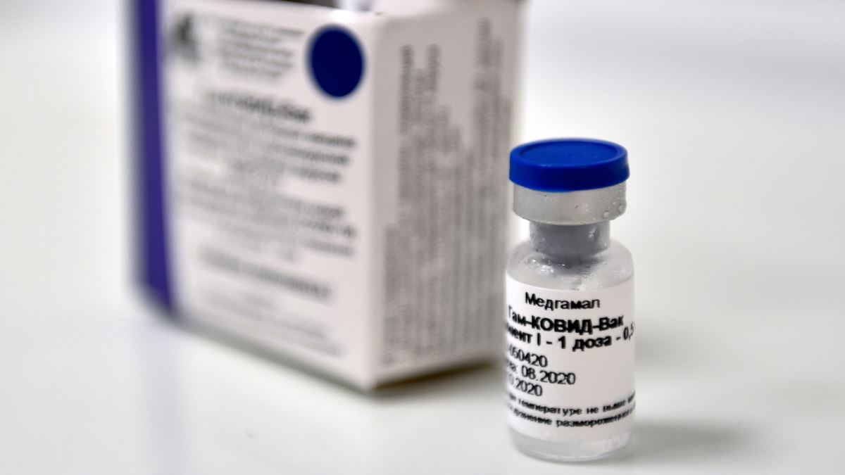 Первые партии российской вакцины против COVID-19отправлены врегионы - Фото