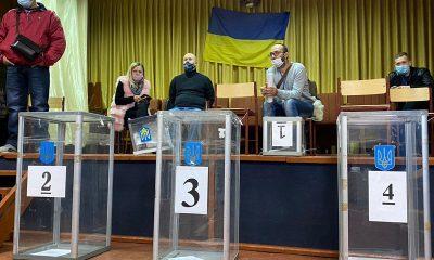 Украинская оппозиция заявила о попытках фальсификации выборов в Киеве - Фото