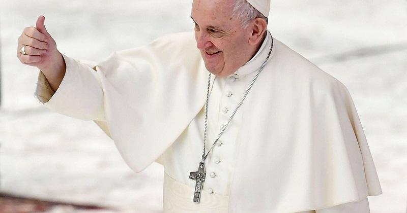Папа Римский поддержал гражданские союзы между однополыми парами - Фото