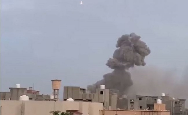 На складе боеприпасов в Триполи прогремел мощный взрыв - Фото