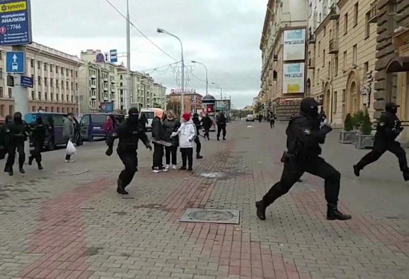 Около 40 человек задержаны на акции протеста в Минске в субботу - Фото