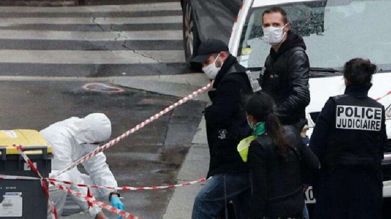 По делу об убийстве учителя во Франции задержали девять человек - Фото