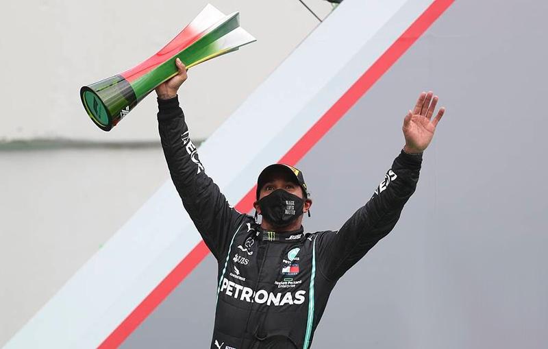 "Хэмилтон побил рекорд Шумахера, одержав 92-ю победу в ""Формуле-1"" - Фото"