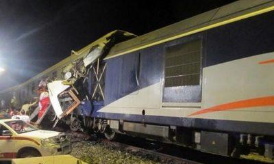 Пристолкновении поездов в Иране пострадали 23человека - Фото