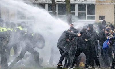 В Амстердаме 190 человек были задержаны во время протестов - Фото