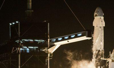 SpaceX успешно запустила ракету с рекордным количеством спутников - Фото