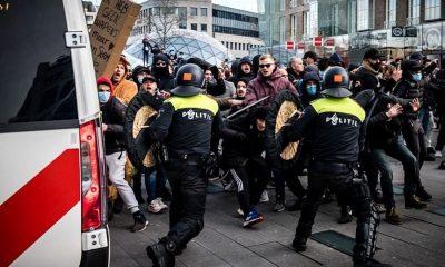 В Нидерландах полиция арестовала более 180 бунтовщиков в ходе беспорядков - Фото