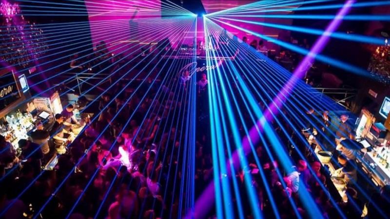 В Москве сняли ограничения на ночную работу ресторанов и клубов - Фото