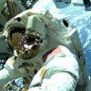 Двое астронавтов NASA вышли в космос для установки солнечных батарей на МКС - Фото