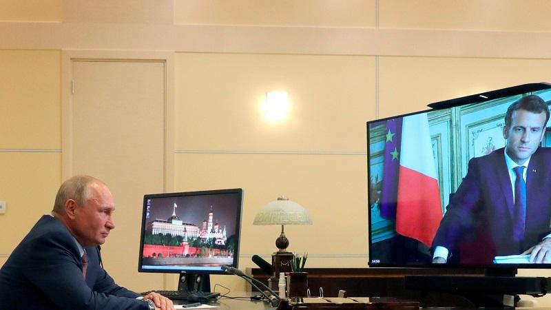 Путин заявил Макрону и Меркель о недопустимости вмешательства в дела Беларуси - Фото
