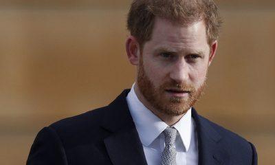 Принц Гарри прилетел в Британию на похороны принца Филиппа - Фото