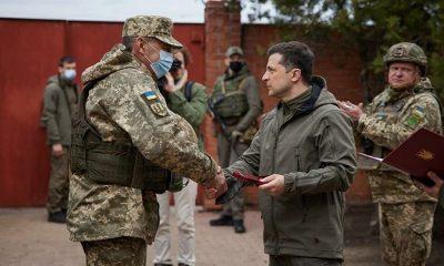 Президент Украины Владимир Зеленский посетил Донбасс 8 апреля - Фото