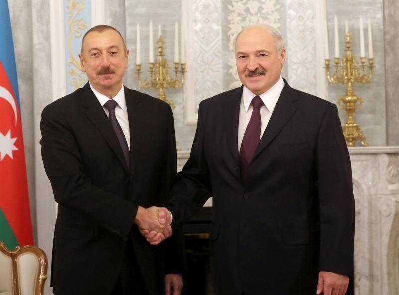 Александр Лукашенко 13 апреля летит в Азербайджан на встречу с президентом Ильхамому Алиевым - Фото