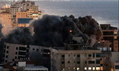 Число жертв израильских авиаударов по сектору Газа возросло до 65 - Фото