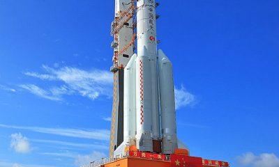 """МИД КНР назвал крайне низкой угрозу от падения обломков китайской ракеты """"Чанчжэн-5Б"""" - Фото"""