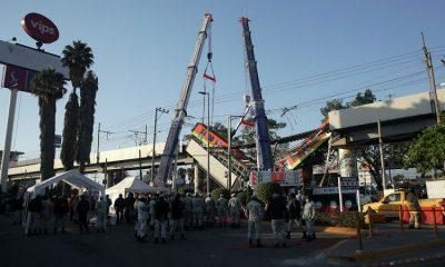 Президент Мексики пообещал провести расследование обрушения моста метро - Фото
