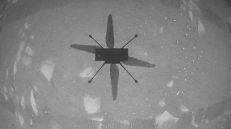 Вертолет Ingenuity успешно совершил 7-й полет на Марсе - Фото