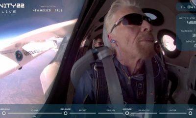 Миллиардер Брэнсон отправился в космос на собственном космолете Virgin Galactic - Фото
