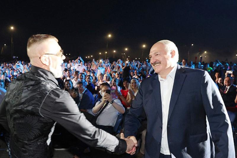 проверил на крепость Лукашенко - фото