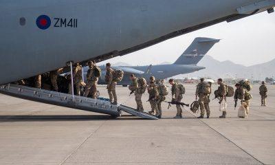 Последний самолет с британскими военными покинул Кабул - Фото