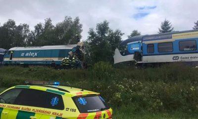 Два человека погибли в результате столкновения поездов в Чехии - Фото