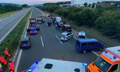 В Германии задержали мужчину, взявшего в заложники пассажиров автобуса - Фото