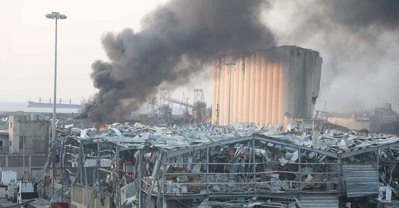 Расследование взрыва в порту Бейрута приостановили из-за иска против судьи - Фото
